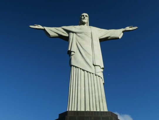 How to See the Cristo Redentor if You're at the Rio de Janeiro Airport