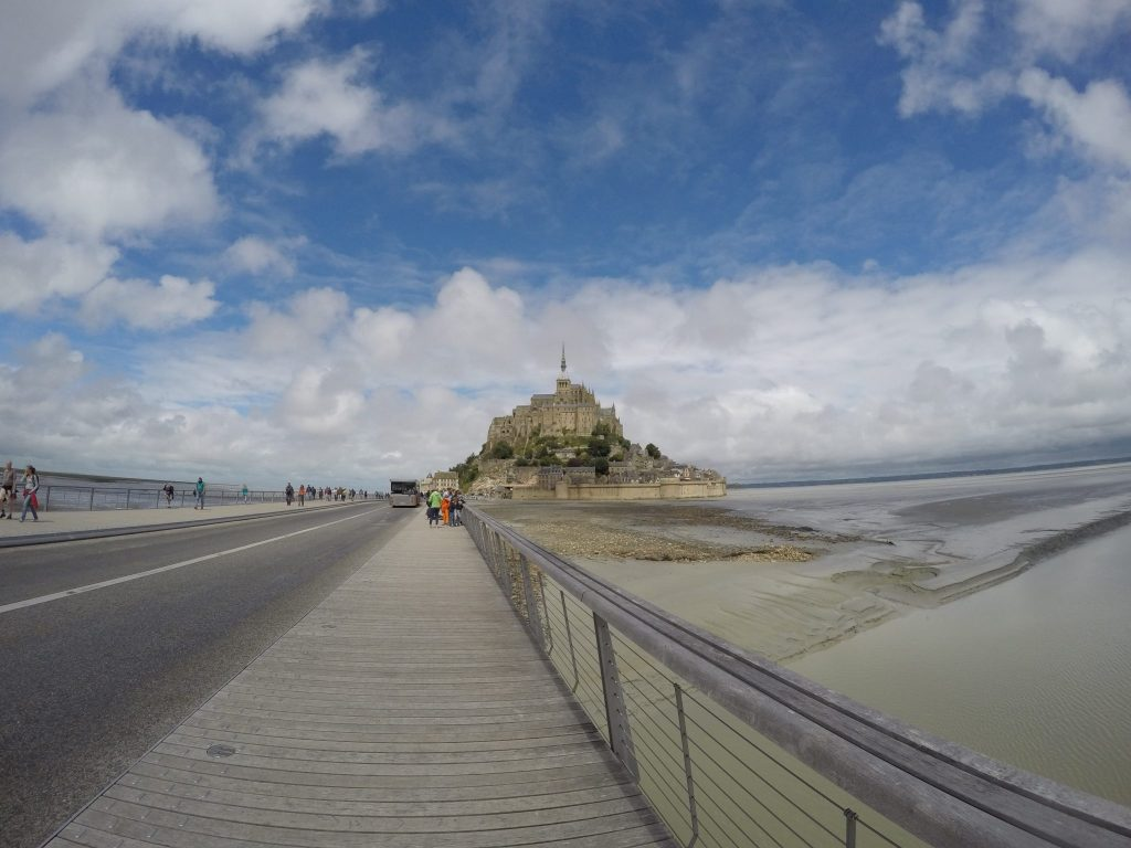 the step by step guide to seeing mont saint michel starting from paris. Black Bedroom Furniture Sets. Home Design Ideas