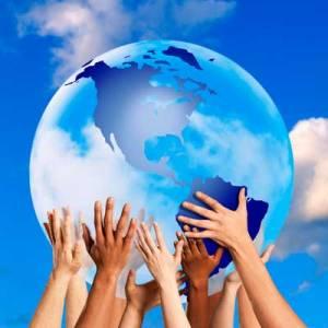 globe-hands