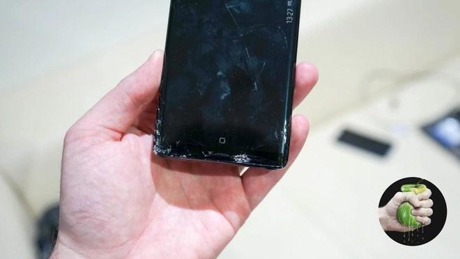 Ký sự đem Samsung Galaxy Note 8 bị vỡ màn hình đi sửa: Đầy những bất ngờ - Ảnh 1.