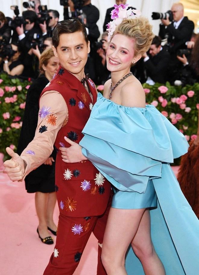 6 cặp đôi 9X đáng ngưỡng mộ nhất Hollywood: Mối tình của Justin hay Miley không xúc động bằng sao nhí Zack & Cody - Ảnh 21.