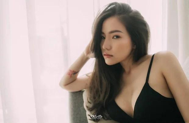 Giữa ồn ào chồng cũ chia tay tình mới, Lý Phương Châu tung bộ ảnh sexy đến bất ngờ! - Ảnh 1.