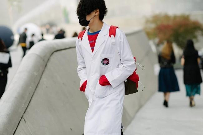 Min mặc quần một mất một còn, Hoàng Ku bỏ hàng hiệu chọn hàng Việt tại Seoul Fashion Week ngày 3 - Ảnh 12.