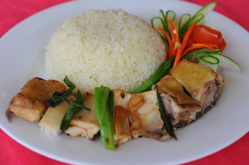 Top 10 quán cơm Sài Gòn - TP.HCM luôn hút khách