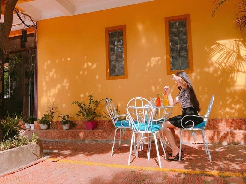 Sunday Hostel - căn nhà nhỏ xinh đầy lãng mạn ngay biển Nhật Lệ
