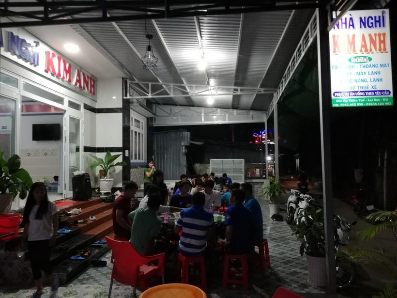 Nhà nghỉ Kim Anh giá rẻ view đẹp nhất đảo Hòn Sơn có sân BBQ