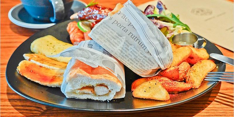 台中早午餐   AIYO Cafe(東區)-老宅改建、文青風格,還有網美牆哦!勇士早餐好澎派,來上一餐讓人元氣滿滿又飽飽。