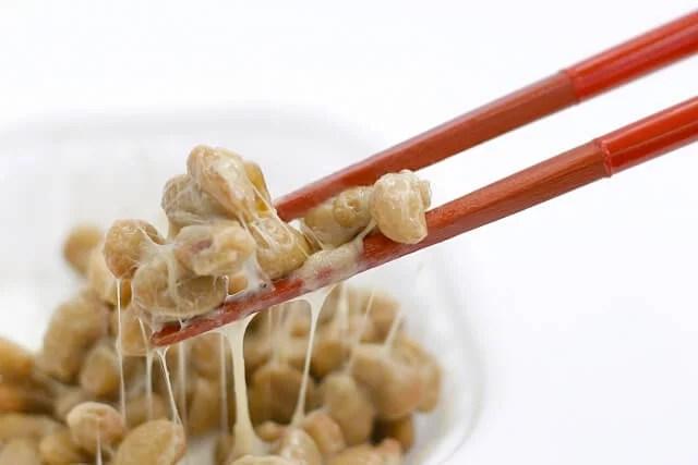 たくさん混ぜて食べる!納豆ダイエットで期待できる5つの効果