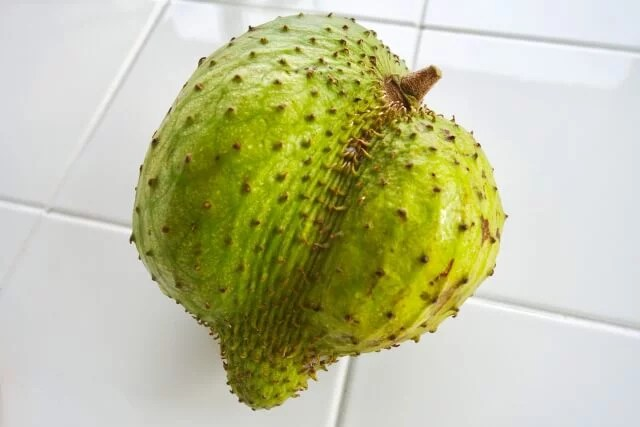 熱帯フルーツ「サワーソップ」の健康的になる7つの栄養効果