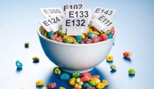 additive 300x173 - 人工甘味料は砂糖の100倍の甘さ?20代から気をつけるべき食品添加物について