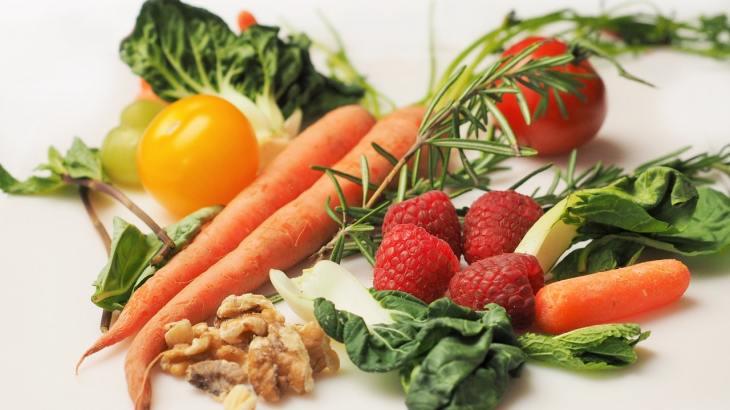 carrot kale walnuts tomatoes - 活性酸素除去に取るべき抗酸化栄養素5選と取っておきたい栄養素4選
