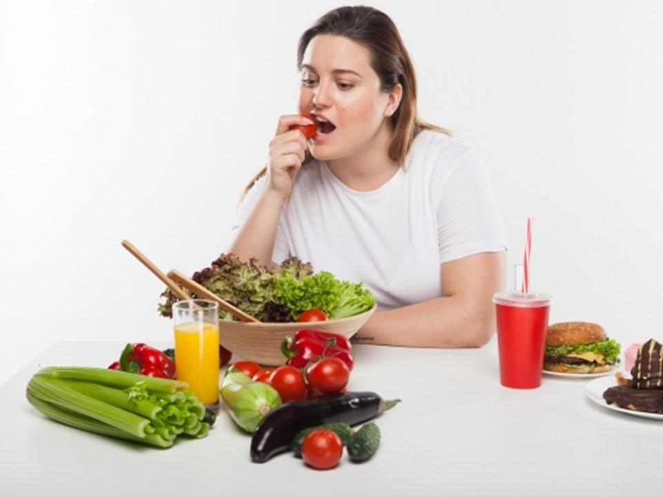 ダイエットをする女性