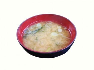 味噌スープは奥が深い!レシピを知ってあたたかい給食の味に
