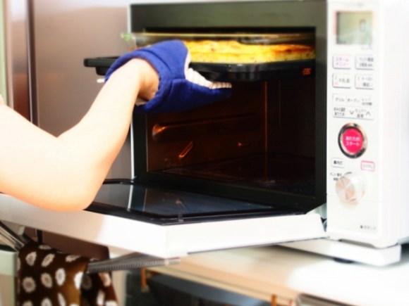電子レンジのグリルはオーブンに比べ、調理時間がかからない
