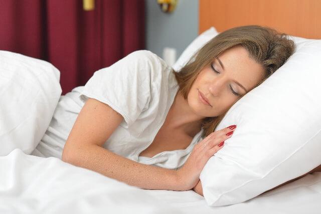 寝ると口が乾燥している原因とは? 口呼吸をしないためにできるコト