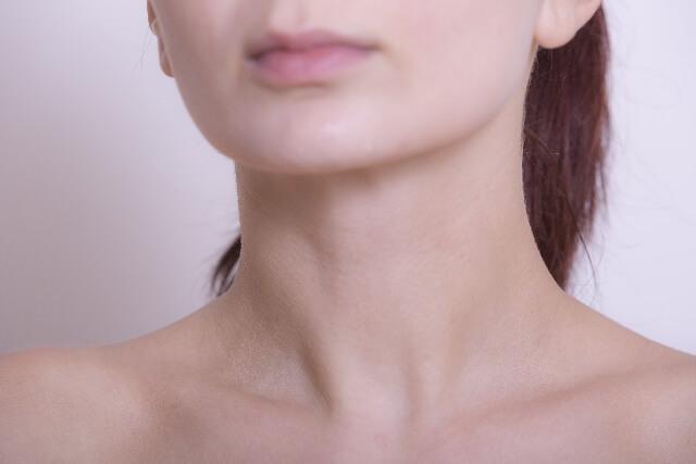 リンパをほぐす鎖骨周辺のマッサージ 痛いのは不調と関係あり?
