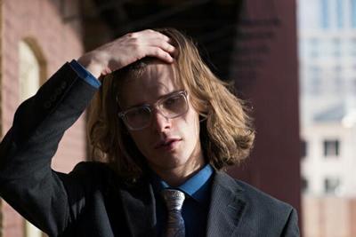 髪の毛がサラサラな男