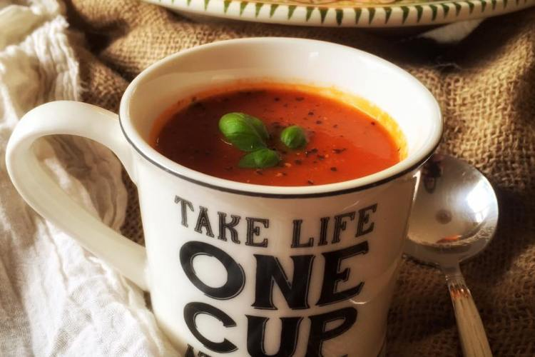 Simple Tomato and Basil Soup
