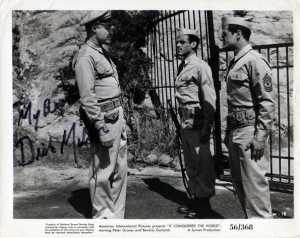Dick Miller (right) in It Conquered the World.