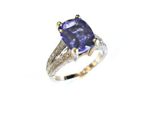 160 100033 e1520555807613 - Vintage Cushion-Cut Iolite Ring
