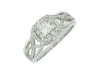 editwc6778d - Three-Stone Oval Diamond Ring
