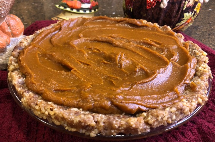 Raw Vegan Pumpkin Pie for Thanksgiving