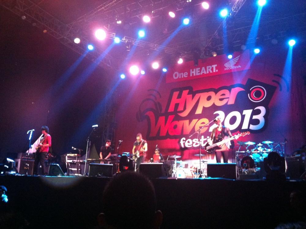 LIVE REPORT: VAMPS at Hyper Wave Festival in Jakarta (November 29, 2013) (6/6)