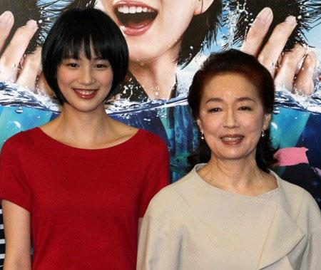 【日藝】《海女》主角能年玲奈及祖母宮本信子參加NHK音樂節目 | 劍心.回憶