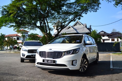 small resolution of the kia grand carnival and the kia sorento diesel people movers