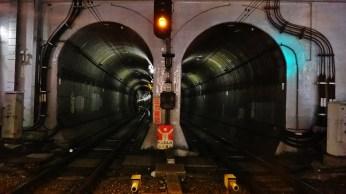 Shinsen Station tunnel