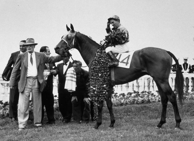 Count Turf in the winner's circle after the 1951 Kentucky Derby