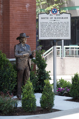 Little Jimmy Dickens and Bill Monroe honored with bronze statues