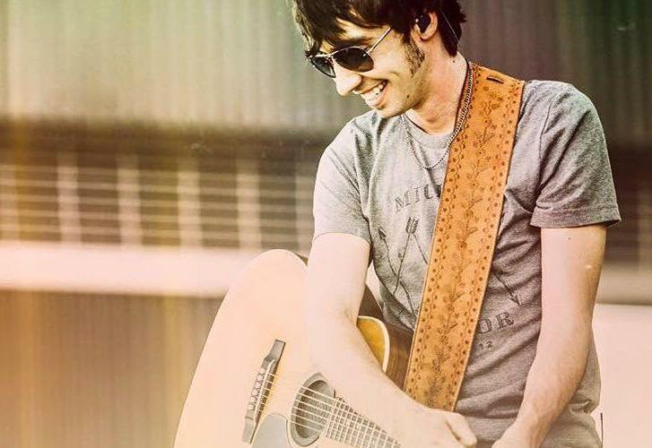 Mo Pitney has learned to balance his family life and faith while being a part of the music business. Photo courtesy of Mo Pitney.