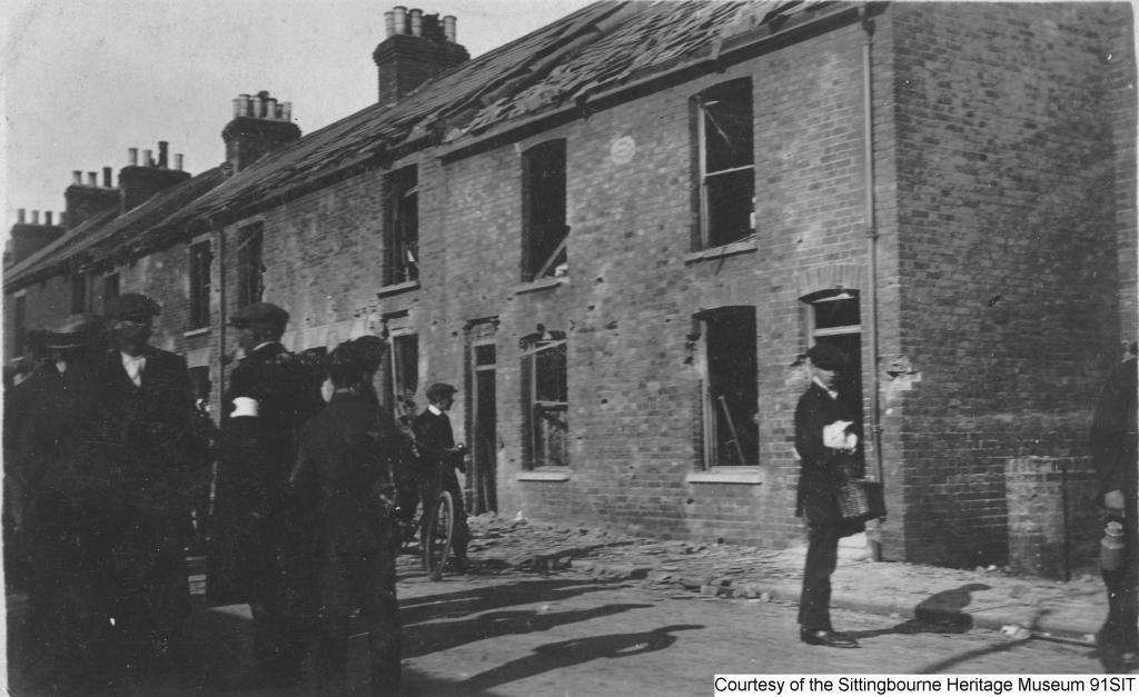 91SIT - Bomb damage after Zeppelin raid  - Unity Street – rear of Park Road, June 1915