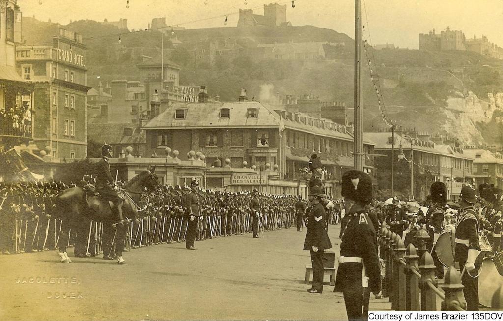 135DOV - Grand Hotel homecoming Sir Douglas ( Earl) Haig 19th December 1918