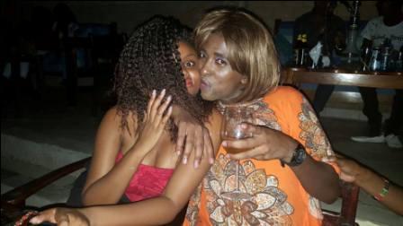 Shaniqwa Caught Kissing