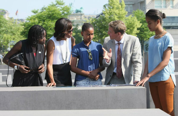 Ms. Auma Obama accompanied First Lady Michelle and her daughters on a sightseeing  visit of Berlin