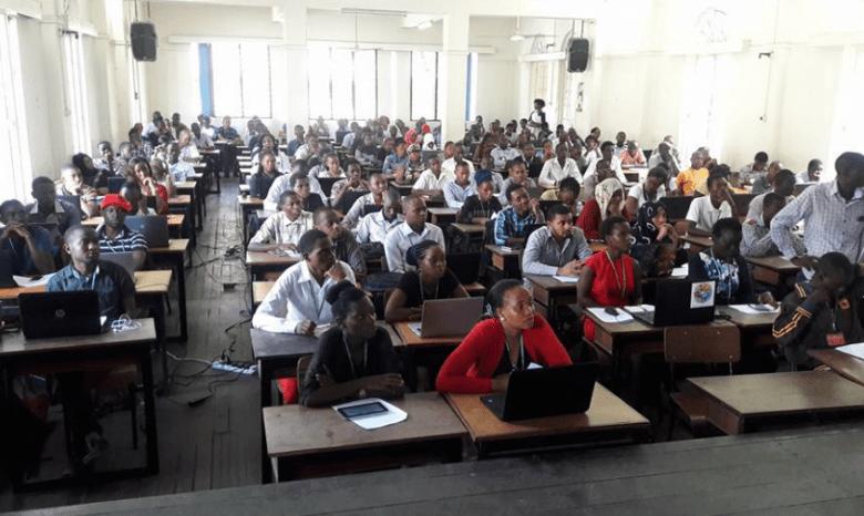 Ajira Kenya Digital Class Training in progress. Enrolled students leaning on how to make money online