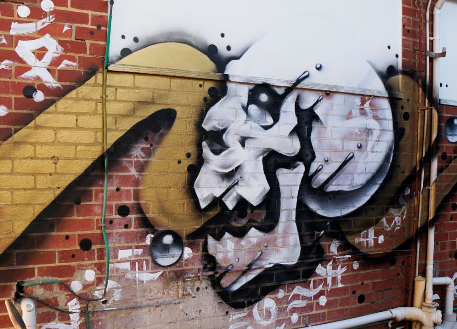 Gold Bubble Skull Street Art – The Stockroom, Melbourne