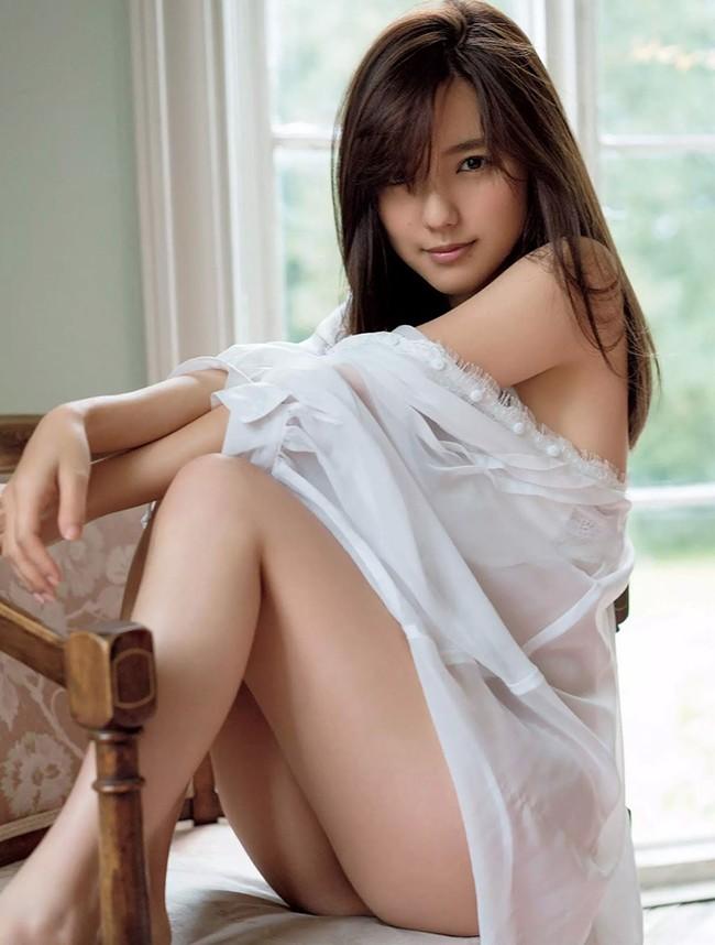 Erina-Mano-gay-thuong-nho-vi-qua-goi-cam (9)