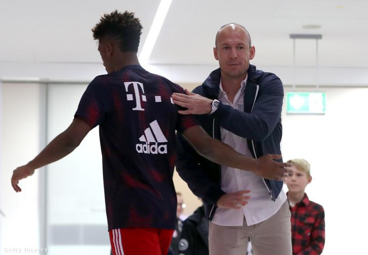 Robben civilben a szombati Bayern-BVB előtt - motiválhatja az is, hogy 198 Bundesliga-meccse, ezeken 98 gólja van a Bayernben