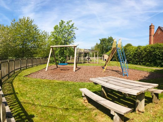 gallowstree common play area 4 small