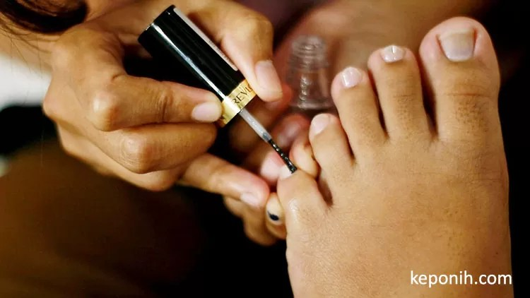 manicure - lineation
