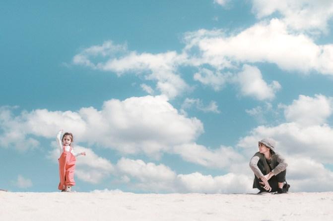 keppe photography | okinawa photographer | beach | mother | daughter | fun