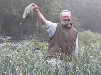 ken garlic garden 014