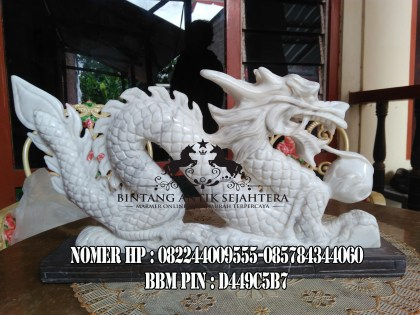 Patung Naga Onix