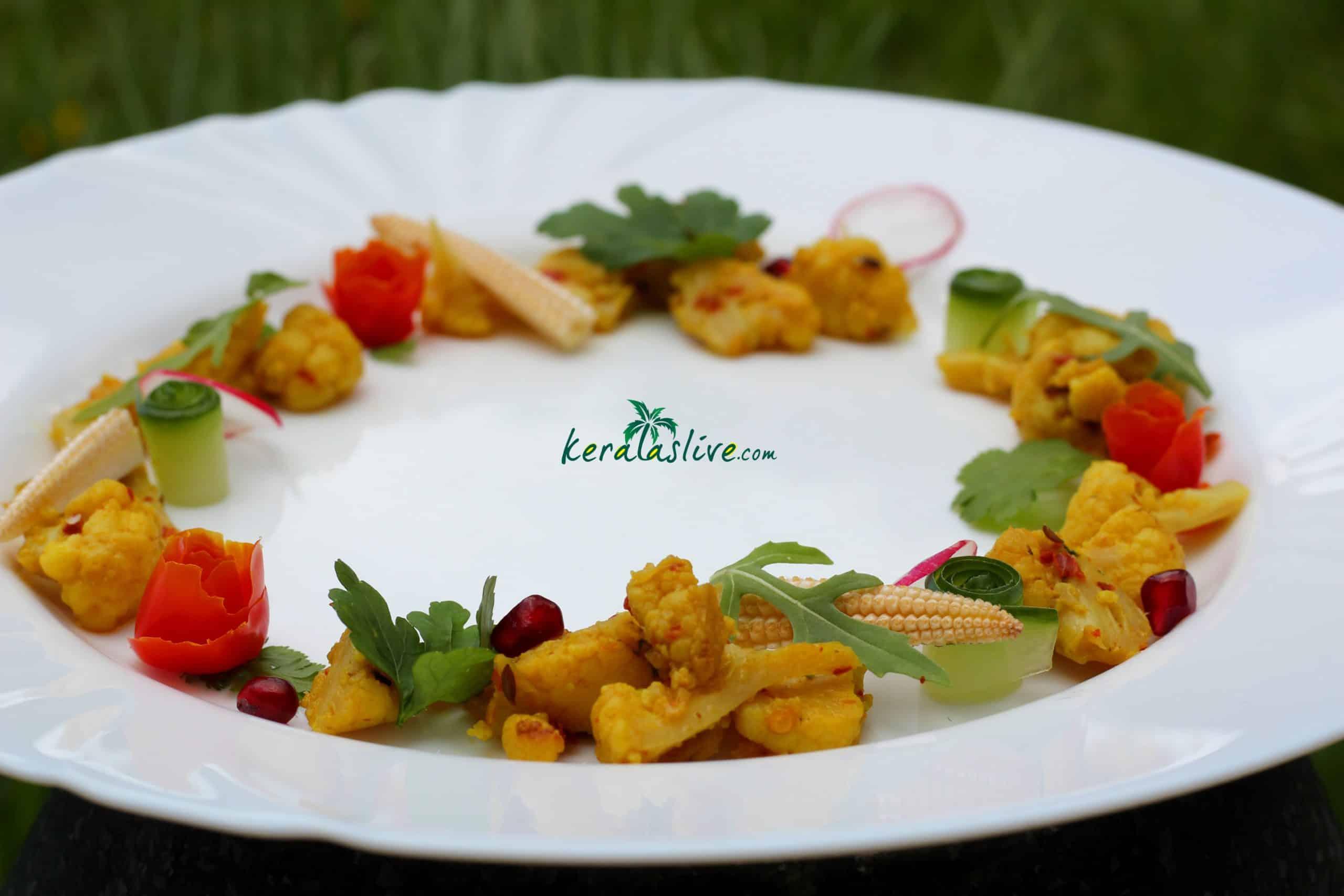 Cauliflower poriyal / Spiced cauliflower stir fry recipe