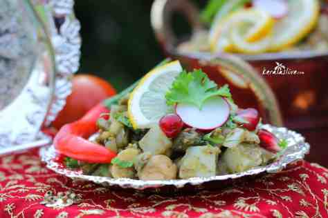 Aloo chana chaat - A tasty snack made with boiled chickpeas and potatoes.