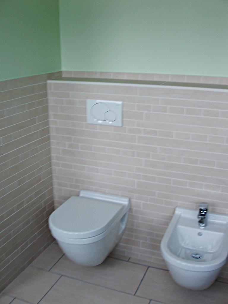 Kleines Bad Mit Dachschräge  Keramik Goller Wunsiedel