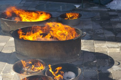 Feuerspektakel beim Rakubrand